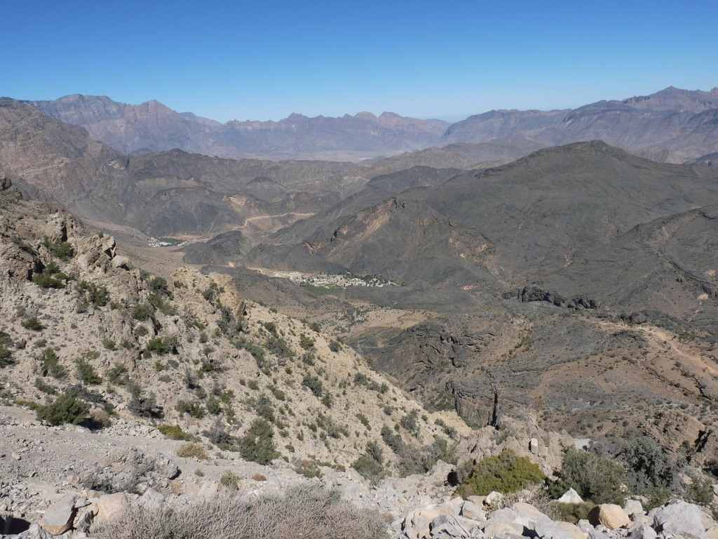 岩石沙漠に広がる景色
