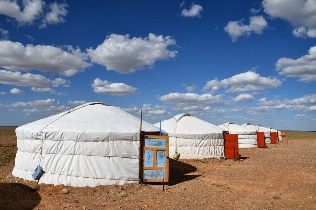 ステップ気候の遊牧民のテント